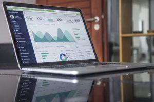 アイキャッチ画像 文系ビジネスパーソンこそ統計学を学ぶべき理由