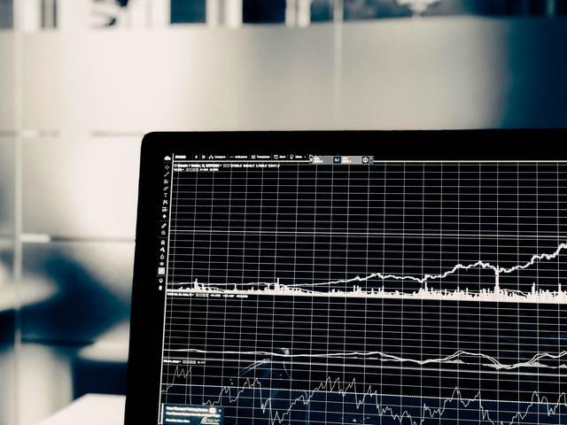 文系ビジネスパーソンにおすすめの学習教材「データサイエンス(統計学)」の画像です